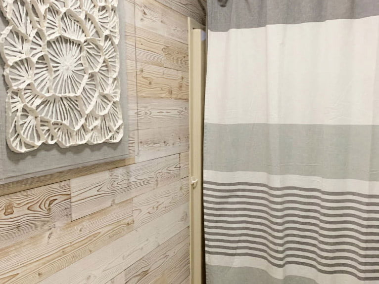 White Washed - Peel And Stick Wood Planks